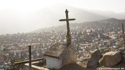 Perú sobrepasó los 10.000 muertos con hospitales saturados