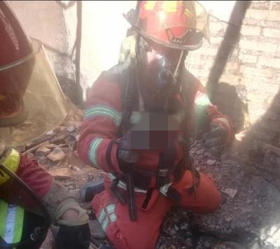 Investigan causa de incendio que dejó un muerto en J. A. Saldívar