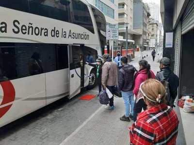 Más de 140 compatriotas que estaban varados en Argentina, regresan al país