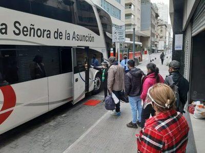 Retornan al Paraguay 142 connacionales varados en Argentina