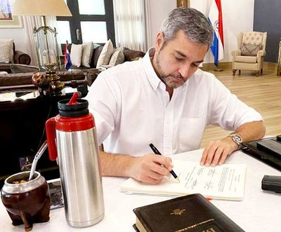 Ejecutivo emite decreto que extiende la fase 3 de la cuarentena
