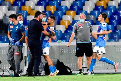 Insigne mantiene al Napoli en zona de Europa League