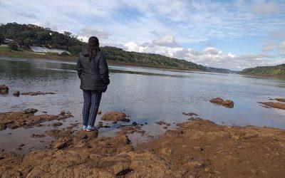 Dos meses sin novedades sobre cuerpo de joven que cayó de embarcación