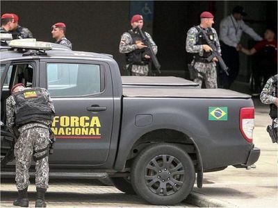 Alerta en la frontera tras masiva fuga de presos en el Brasil