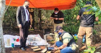 Salto del Guairá: Desmantelan laboratorio para procesar drogas