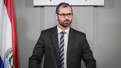 "DNCP es vulnerable a empresas de ""maletín"" advierte Seprelad"