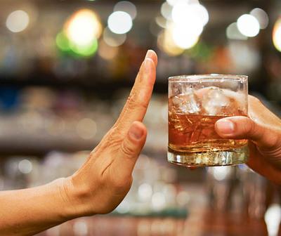 Fase 4 permitirá reuniones de amigos, pero sin alcohol