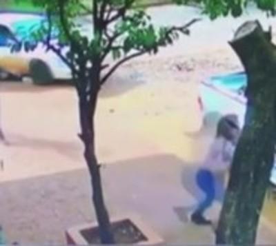 CDE: Millonario asalto a punta de arma de fuego