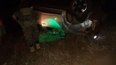 Conductor resultó herido tras volcar a bordo de una camioneta sobre la Ruta PY11 en Capitán Bado