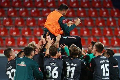 A los 41 años, Claudio Pizarro pone punto final a su carrera