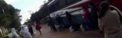 Paciente con covid-19 escapó y subió a un bus