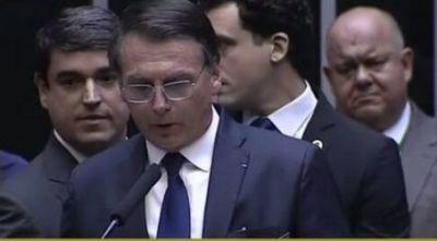 Bolsonaro sufre síntomas de coronavirus y espera resultados