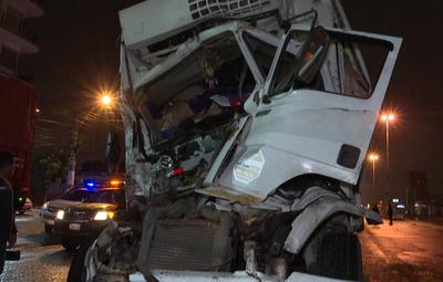 Aparatoso accidente de tránsito sobre la Transchaco