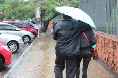 Anuncian descenso de temperatura y lluvias para hoy
