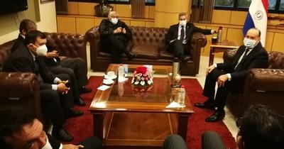 Mario Abdo hace lobby en Senado para aprobación de más préstamos