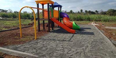 Instalan parques infantiles en Franco