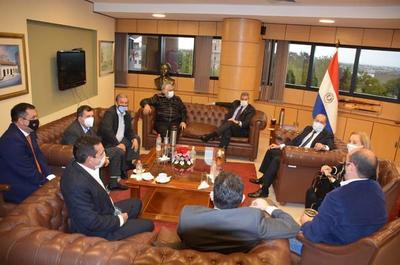 Fuerte lobby de Abdo Benítez en el Senado, a favor de su proyecto de reactivación económica