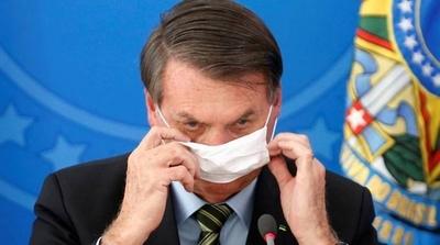 HOY / Bolsonaro da positivo por coronavirus y se trata con cloroquina