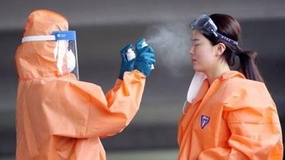 HOY / OMS reconoce que surgen pruebas de covid en el aire y alerta que pandemia se acelera