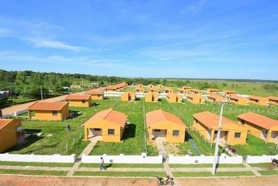 Abdo Benítez aprueba construcción de 1.500 viviendas en ciudades fronterizas