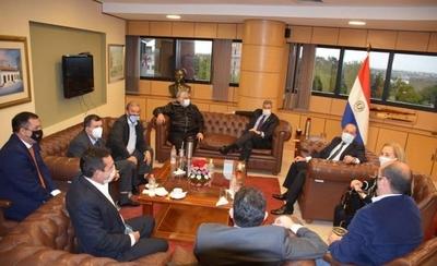 HOY / Abdo busca apoyo a plan de reactivación y senadores escucharán a ministros