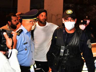 Ronaldinho cumple cuatro meses privado de libertad en Paraguay