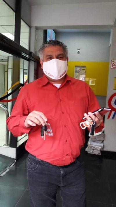 Dueño recupera llave de su auto gracias a lectores de ABC