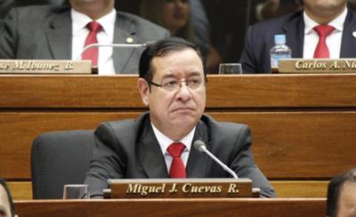 HOY / Ministerio Público tiene otros seis meses para investigar a Miguel Cuevas