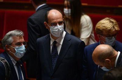 """Francia descarta un """"confinamiento total"""" en caso de rebrote de covid"""