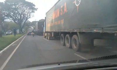 Coimas a la Caminera para que camioneros hagan triple fila sobre la ruta internacional – Diario TNPRESS