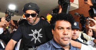 Ronaldinho, el crack del fútbol mundial cuyo destino está en manos de la justicia paraguaya
