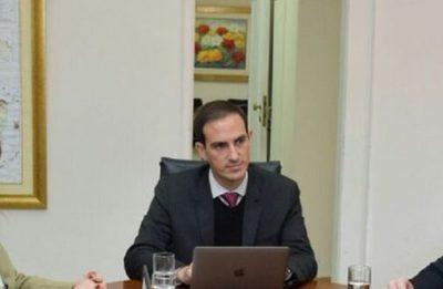 Senador afirma que Mazzoleni debe dar un paso al costado