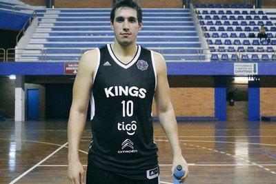 Alejandro Peralta aguarda por el regreso del básquet