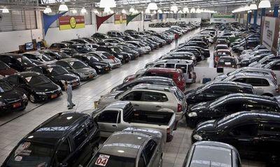 La producción brasileña de vehículos: caída del 50% en el primer semestre