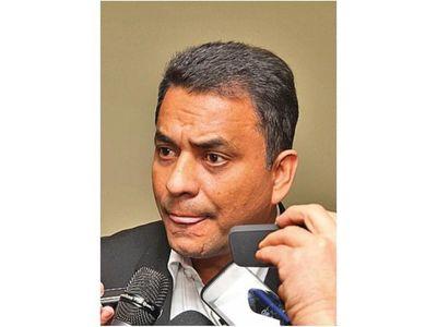 Sánchez niega tener condena por narcotráfico