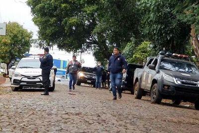 Maleantes disparan a policías y luego huyen