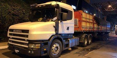 Incautan camiones con cocaína en el Puente de la Amistad