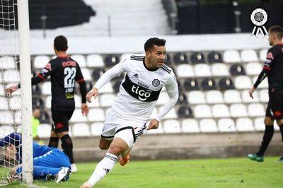 Olimpia golea a San Lorenzo en segundo ensayo