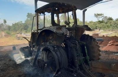 Atacan estancia y queman retiro y maquinarias en Yasy Cañy.
