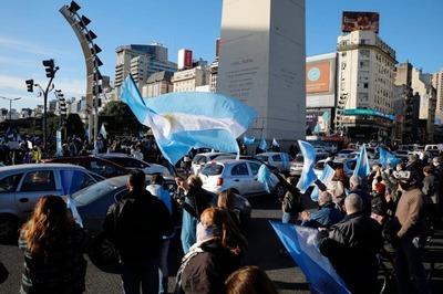 ARGENTINA: Banderazos de protesta en todo el país