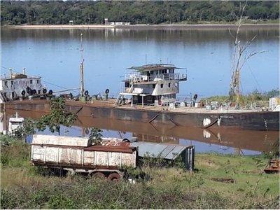 Verifican por segunda vez un buque varado en Itapúa