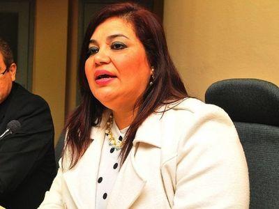 Abren investigación a intendenta y ponen en aprietos a Rivas