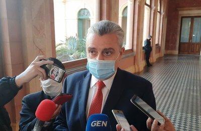 Que Mazzoleni cambie toda el área administrativa de Salud Pública, sugiere Villamayor