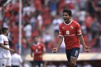 FIFA aplicará fuerte multa a Independiente por el caso Cecilio Domínguez