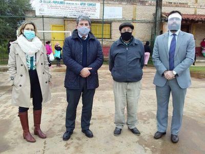 Asociación de diplomáticos donó alimentos a comedor del Bañado Sur