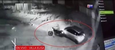 HOY / Mujer sale ilesa de un ataque de motochorros en Villa Elisa