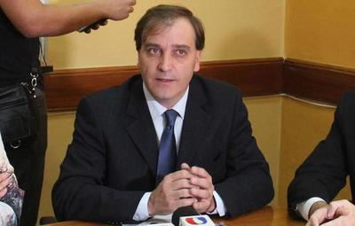 """Infectólogo califica de """"aplazada"""" la gestión administrativa en el Ministerio de Salud"""