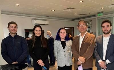 HOY / Estudiantes paraguayos innovan en tecnología con paneles solares