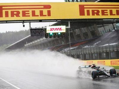 Hamilton lideró doblete Mercedes en Estiria