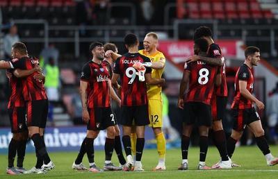 Leicester cae ante el Bournemouth y compromete su presencia en Champions